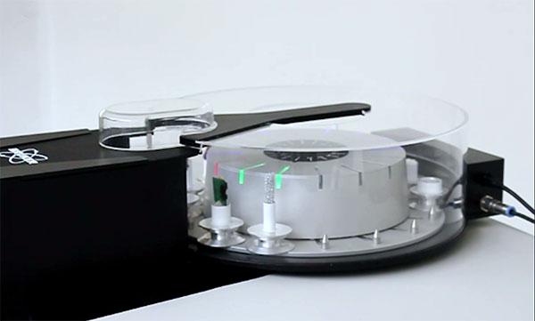 Micro-CT sample changers