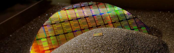 Silicon wafer polishing